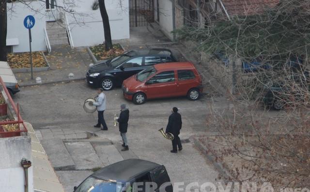 Mostar: Trubači razbudili grad na Badnje jutro