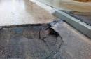 Mostar: Prva kiša raskopala novi asfalt
