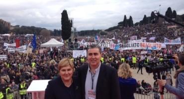 U ime obitelji - Obraćanje dr. Željke Markić na Danu obitelji u Rimu