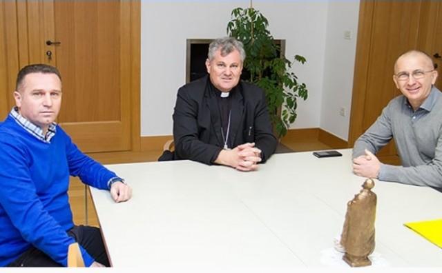 Biskup Vlado Košić primio umirovljenog generala HV-a Zlatana Miju Jelića i Darija Kordića