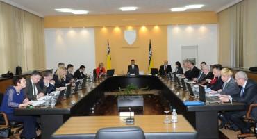 """NE ZNAJU KAKO SE IZVUĆI Solaka suspendirali kofol """"preventivno"""", a traže raskid ugovora sa Srebrenom malinom"""