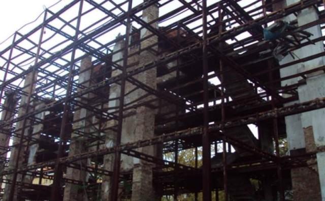 Mostar: Konstrukcija čeka Gradsko vijeće ili proglas o nesigurnosti