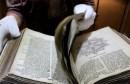 U Bibliji pronađene tajne bilješke