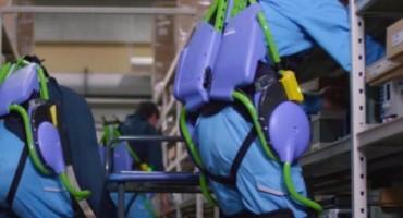 Radnici Panasonica koriste egzoskelet za lakši rad