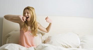 Stručnjaci tvrde: Pospremanje kreveta ujutro donosi više štete nego koristi