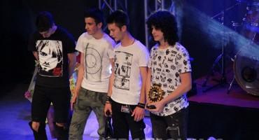 Melodije Mostara: Zlatno sunce Mostara grupi Nešto između