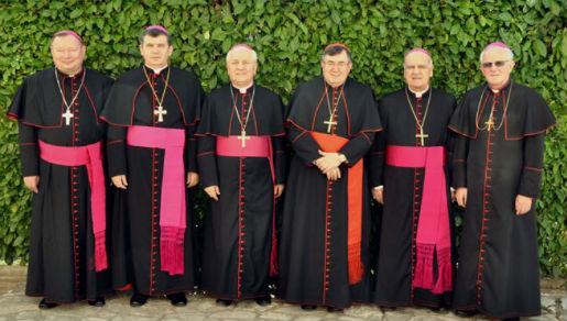 Bliži se smjena biskupa u BiH, prvi odlazi mostarski biskup