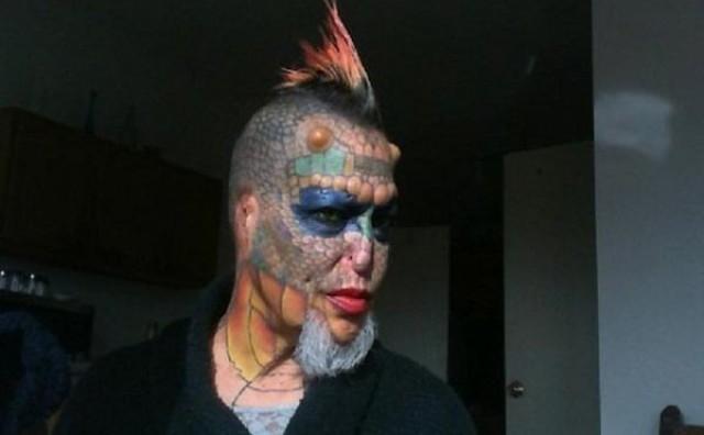 Transeksualac uklonio uši i nos kao bi postao Žena Zmaj