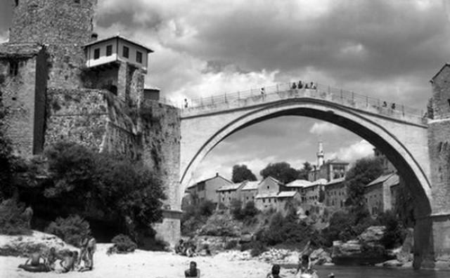 Velika fotografska priča Ćirila Ćire i Vladimira Raiča o mostovima Mostara