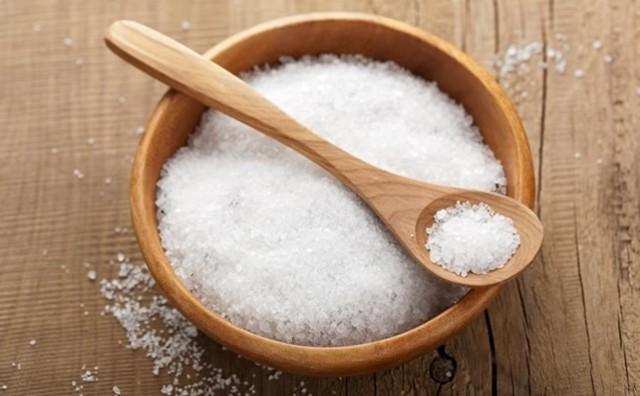 Kako sol (natrijev klorid) djeluje na naš organizam?