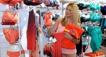 Tina Katanić izabrala kupaći kostim za vruće ljetne dane
