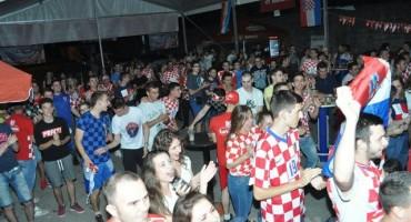Mostar: Pogledajte kako je Fan zona proslavila pogodak Nikole Kalinića