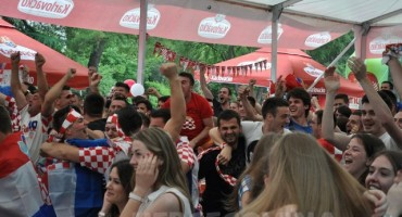 Mostar: Antonio Čarapina nastupa u Fan zoni nakon utakmice Hrvatska-Turska