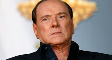 Berlusconi podvrgnut operaciji srca