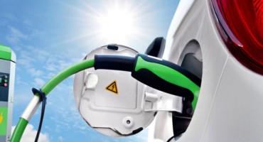 Hercegovac kupio električni automobil vrijedan 300.000 KM, morao ga ostaviti u garažu jer ga nema gdje puniti