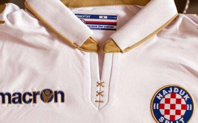 Novi dres Hajduka
