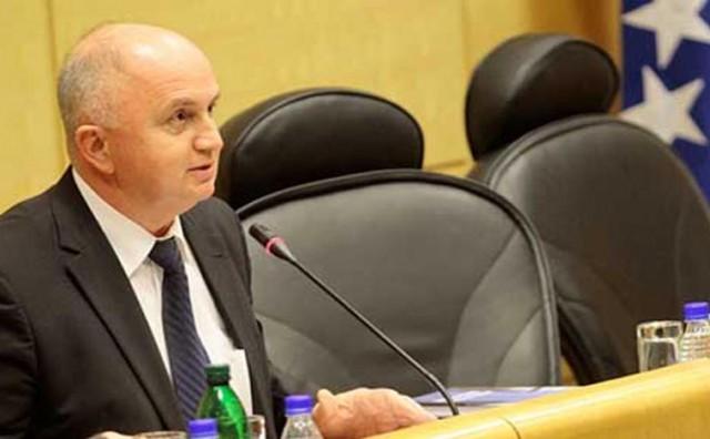 Svebošnjačka koalicija 'preuzela' Parlament Federacije BiH