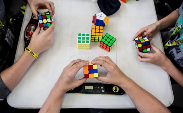 Australac najbrži u slaganju Rubikove kocke, ali europski naslov otišao u Njemačku