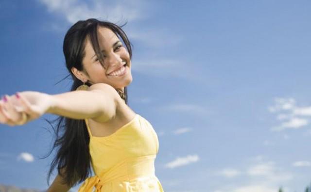 3 zbunjujuća znaka zbog kojih žene misle da su zaljubljene