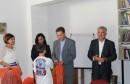 Vlada HNŽ: Uručene školske torbe i pribor za učenike iz socijalno ugroženih obitelji s područja grada Mostara