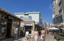 Mostar: Lijepe žene prolaze kroz grad