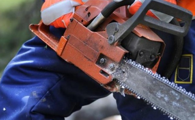 Stravično: Najmanje petero ozlijeđenih u napadu motornom pilom