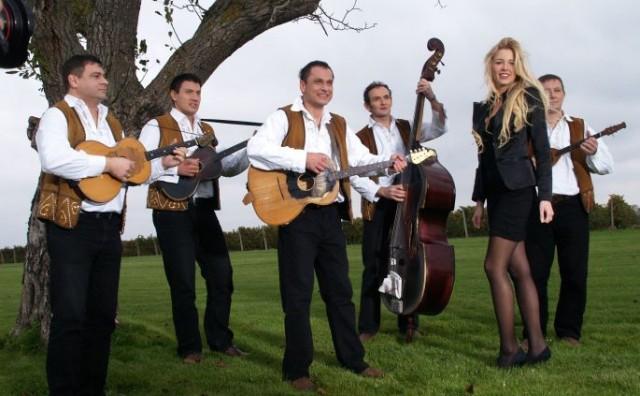 Colonia i Slavonia band snimili su spot za naslovnu pjesmu serije 'Zlatni dvori'