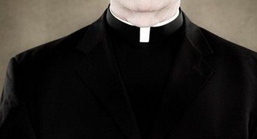 Dvostruki život svećanika šokirao Veliku Britaniju
