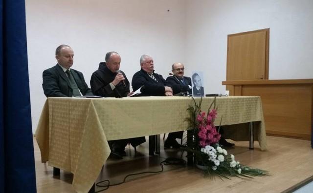 U Čerinu održana književna manifestacija Susreti pod hrastom