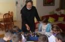 Časne sestre pružaju roditeljsku ljubav za 23 djece