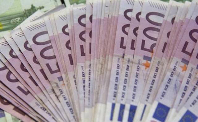 Studentu iz Gacka sa računa u banci nestalo 3.800 eura