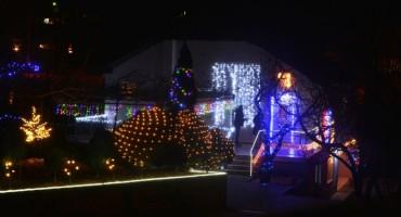 Mostarska obitelj za blagdane napravila kuću iz bajke od 15.000 svjetiljki