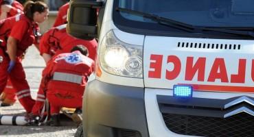 Migrant ozlijeđen nožem u Sarajevu, prevezen je u bolnicu