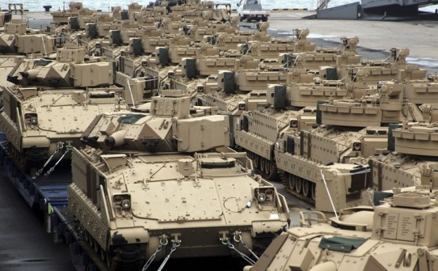 Stotine američkih tenkova stiglo u EU