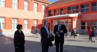 Predsjednik Vlade dr. sc. Nevenko Herceg posjetio školu u Crnićima