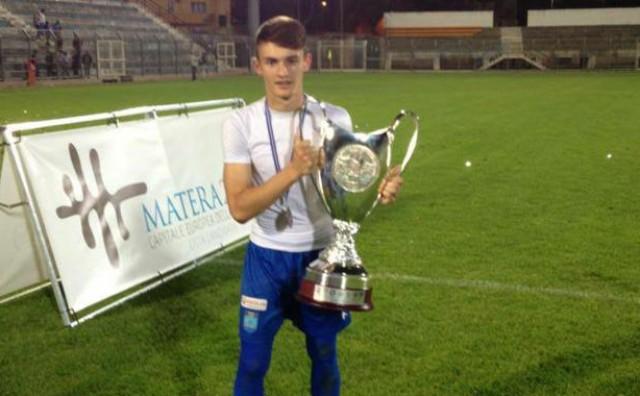 U prometnoj nesreći poginuo mladi nogometaš: izgubio je nadzor nad vozilom i sletio s ceste