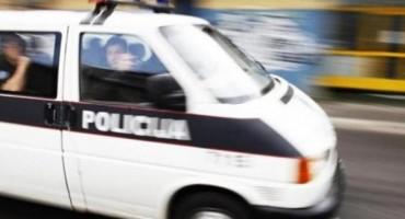 Stolac: Maskirani razbojnici presreli vozilo i izboli mladića