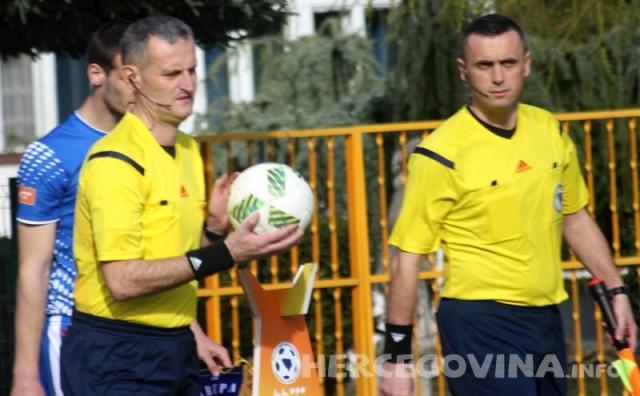 Zbog greški na utakmici Sloboda - Željezničar sudac Vladimir Bjelica suspendiran do kraja sezone