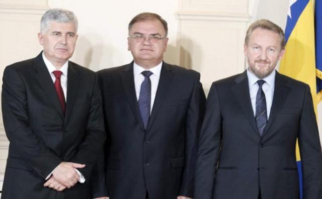 Trojica članova predsjedništva BiH kod kancelarke Angele Merkel