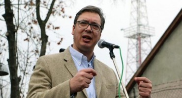 HSP AS: Ne tražiti ratnu odštetu od Vučića je čin veleizdaje!