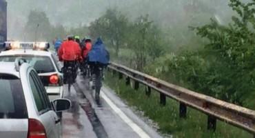 Unatoč snježnom nevremenu, biciklistička karavana Mostar- Vukovar stigla u Žepče