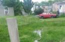 Mostar: Puknuta vodovodna cijev u naselju otežava život građanima