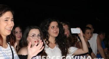 Dan poslije: Pogledajte tko je sve bio na koncertu Olivera i Gibonnija