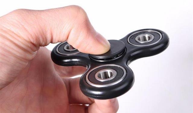 Roditelji, pročitajte koliko je zapravo opasna igračka Fidget Spinner!
