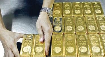 Poštenjak predao policiji 22 zlatne poluge i novac koje je pronašao pod drvetom
