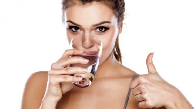 Znate li kada je vodu dobro popiti, a kada ne?