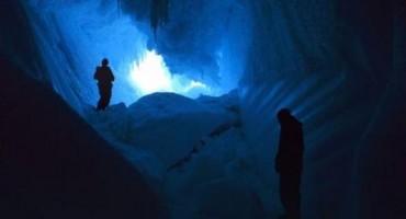 U ovim pećinama na Antarktiku temperatura je 25 stupnjeva, ali to nije najčudnije
