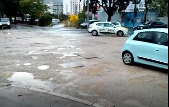 Mostar: Pogledajte prometnu kaljužu u centru grada