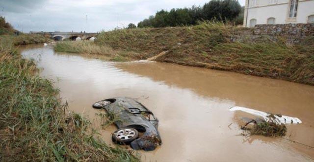 Zastrašujuće scene nakon iznenadnih poplava