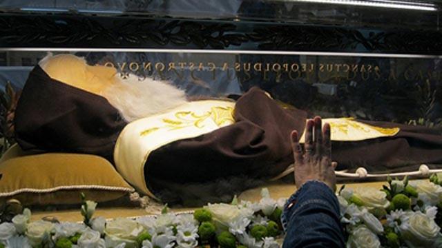 Sarkofag s relikvijama sv. Leopolda Mandića stigao u rodni Herceg Novi